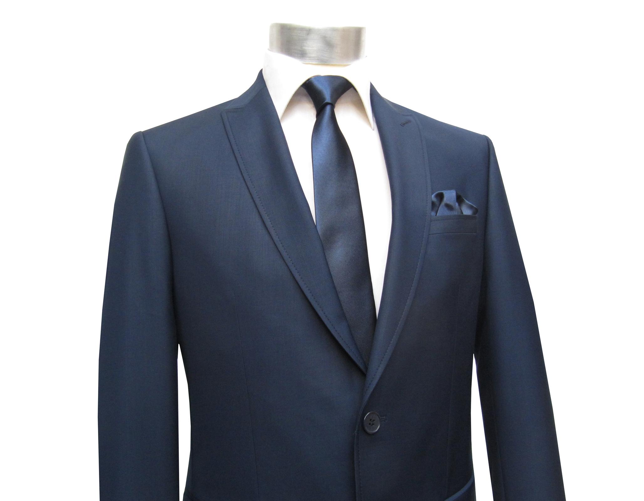 modisch schmale krawatte mit einstecktuch krawatten. Black Bedroom Furniture Sets. Home Design Ideas